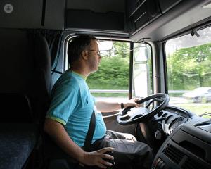 رانندگی و نسشتن طولانی عامل کیست مویی